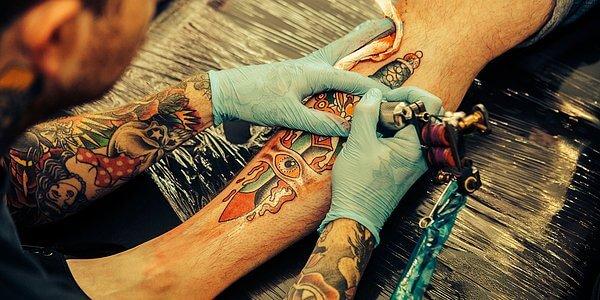 Заражение при нанесении татуировки